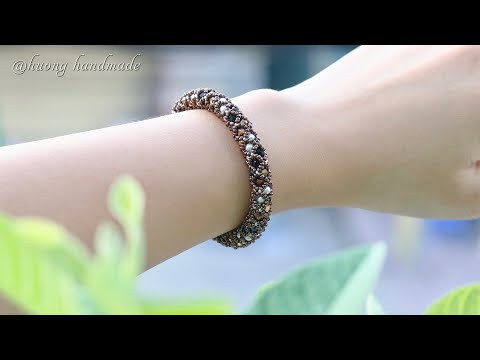 Classy netted bracelet tutorial. How to make beaded jewelry