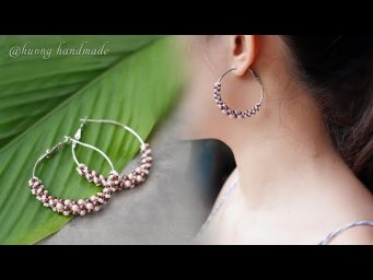 Pearl beaded hoop earrings with pearls and seed beads. How to make jewelry