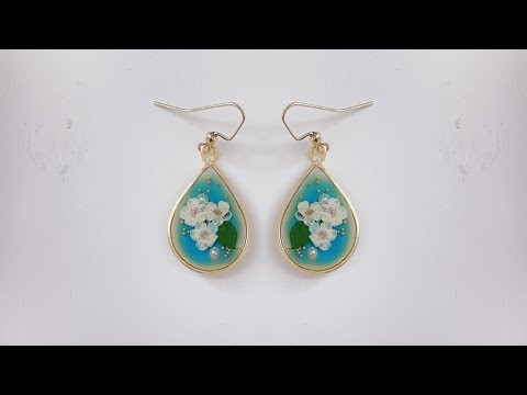 diy resin earrings/how to make simple and beautiful earrings using uv resin and real flowers