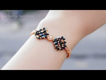 DIY beaded bow bracelet with seed beads and bicones. How to make beaded jewelry